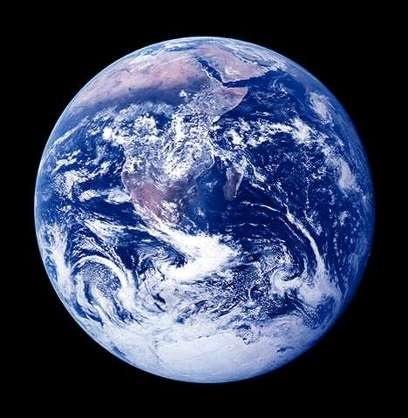 4月12日 今日のネタ|「地球は青かった」のはなぜか