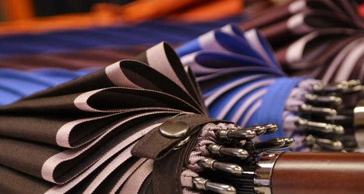 流行の国産のオトナ傘を紹介。今日6月11日は傘の日です。