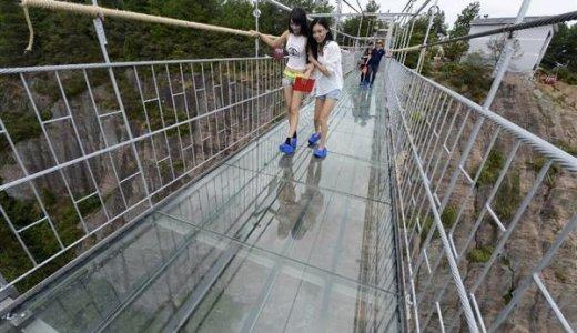 中国のガラスの橋が本当に危険だった件