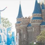 【悲報】ディズニーランド入園料3年連続値上げで7,400円